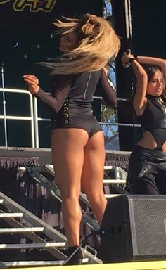 Fifth Harmony on stage (normani was sick)