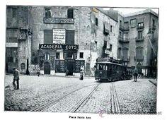 Barcelona, plaça Santa Anna actual portal de l'Angel.