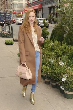 4f6902ff0b208 Luxetips Style! Trussardi s Lucinda Bag  Spring Luxe! Elizabeth Banks