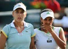 इंडिया की स्टार टेनिस प्लेयर सानिया मिर्जा और अमेरिका की उनकी जोड़ीदार बेथानी माटेक सैंड्स ने मंडे को लारेन डेविस और मेगान मोल्टन लेवी की अमेरिकी जोड़ी को हराकर फ्रेंच ओपेन टेनिस टूर्नामे...