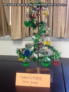 Funny pictures about Chemistry lab Christmas tree. Oh, and cool pics about Chemistry lab Christmas tree. Also, Chemistry lab Christmas tree. Chemistry Jokes, Science Jokes, Science Geek, Life Science, Physics Memes, Teaching Chemistry, Math Jokes, Physical Science, Cool Science