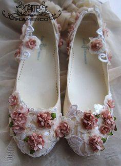 Larrana zapatos de comunion exclusivos , comunion , corte flamenco, bailarinas de comunion, zapatos hechos a medida, sabrinas de comunion, zapatos artesanales