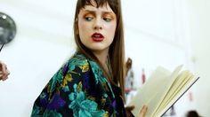 #mannequinchallenge nos bastidores da nossa edição de fevereiro que já está nas bancas. E para o vídeo completo é só baixar o app Blippar e ver diretamente nas páginas da revista  (Vídeo: @pauloraic | Trilha: Trap Music)  via ELLE BRASIL MAGAZINE OFFICIAL INSTAGRAM - Fashion Campaigns  Haute Couture  Advertising  Editorial Photography  Magazine Cover Designs  Supermodels  Runway Models