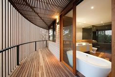 Henley Street / Jackson Clements Burrows Architects