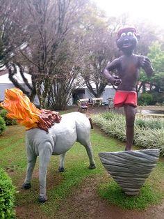 Saci e mula-sem-cabeça, decoração para o Festival Internacional de Folclore. #folclore #riograndedosul #novapetropolis #festival