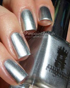 Velkolepá stříbrná platina. Lak na nehty z Anglie.