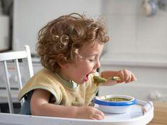Brei vorbei - Ernährungsprobleme da!  Kleinkinder essen zu fett, zu viel und zu süß - so die Erkenntnis namhafter Ernährungsexperten und Kinderärzte. Viele Infos und Tipps zum Thema von unserer Ernährungsexpertin Dagmar von Cramm.