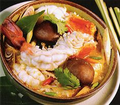 Tom Yum - a clear, sour soup flavored with fragrant lemon grass, fresh galangal root and kaffir lime leaf. This potent herbal mixture is well known for its medicinal properties. Tom Yum Soup, Chowder Recipes, Seafood Recipes, Soup Recipes, Asian Recipes, Healthy Recipes, Ethnic Recipes, Eastern Cuisine, Eating Clean