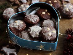Nuremberg lebkuchen, christmas gingerbread cookies Christmas Gingerbread, Gingerbread Cookies, Christmas Loading, Chocolate, Cooking, Desserts, Recipes, Food, Gingerbread Cupcakes