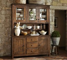 Benchwright Buffet & Hutch, Rustic Mahogany stain