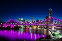 Pretty In Purple, Brisbane, Australia. The lights on the Story Bridge can be changed to any colour - usually done for a celebration. Love it when it's Maroon - meaning we have had a state vs state sporting final and we have won! Brisbane Cbd, Brisbane Queensland, Queensland Australia, Australia House, Australia Travel, Places To Travel, Places To See, Queenslander, Night City