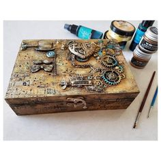 If you looking for a really amazing and unique gift for him your special man, beloved father, or groomsman gift this is it. This is a wooden box Inspired by Steampunk style decorative box. Cigar Box Projects, Cigar Box Crafts, Steampunk Kunst, Victorian Steampunk, Mixed Media Boxes, Cigar Box Art, Gift Boxes For Women, Coffee Box, Steampunk Crafts