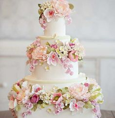 Amazing English Flower Garden Cake