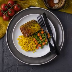 South Africa loves a good Bobotie and this FitChef vegetarian lentil version of the recipe won't disappoint. The warmly spiced lentils are coated with a colourful whisked egg topping and served with a side of yellow rice and delicious baby carrots and peas. Yellow Rice, Baby Carrots, What You Eat, Lentils, Risotto, South Africa, Vegetarian Recipes, Egg, Spices