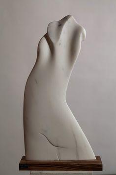 'Silhouette II' (2011) by Italian sculptor Giancarlo Franco Tramontin (b.1931). Carrara marble, 89 x 44 x 5 cm. via Bugno Art Gallery