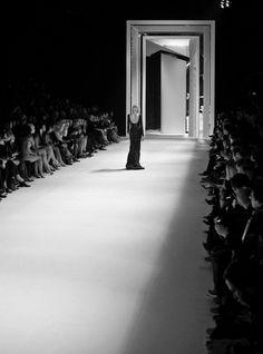 Ideas Fashion Show Stage Backdrops Runway For 2019 New Fashion, Fashion Models, Fashion Show, Runway Fashion, Fashion Design, Modele Flyer, Runway Makeup, Stage Design, Set Design