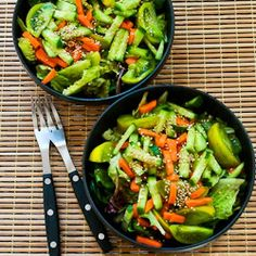 Kalyn's Kitchen: Recipe for Amazing Asian Green Salad with Soy-Sesame Dressing and Sesame Seeds Vegetarian Recipes, Cooking Recipes, Healthy Recipes, Clean Eating, Healthy Eating, Green Salad Recipes, Skinny Recipes, Vegan Foods, Soup And Salad