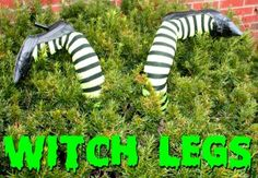 DIY Crashed Witch Legs for Outdoor Halloween Decor #halloween