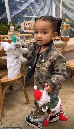 Kim Kardashian creates EPIC dinosaur party for Saint's birthday Cute Black Babies, Cute Baby Girl, Cute Babies, Casa Kardashian, Kardashian Jenner, Kardashian Photos, Idee Baby Shower, Jenner Kids, Kids Girls