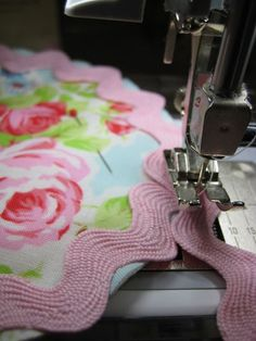 Sewing ric rac trim
