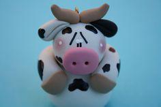 Personalized Clay Cow Christmas Ornament por ClayCutiesbySabrina