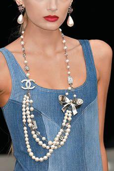 O passo-a-passo para você fazer um colar inspirado em Chanel - Moda, Beleza, Estilo, Customizaçao e Receitas - Manequim - Editora Abril#.UNHxI-z1njU.pinterest