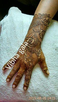 Indian bridal henna Khafif Mehndi Design, Stylish Mehndi Designs, Mehndi Designs For Girls, Mehndi Design Pictures, Wedding Mehndi Designs, Mehndi Designs For Fingers, Beautiful Mehndi Design, Latest Mehndi Designs, Heena Design