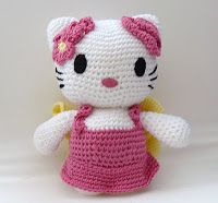 The Fluffy Duck: Handmade Amigurumi Hello Kitty dolls