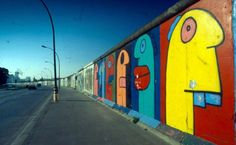 Thierry Noir: A Retrospective will be held at Howard Griffin Gallery in the year celebrating the anniversary of the fall of the Berlin Wall, being both the first solo exhibition of the artist in his career, and his retrospective as well. Murals Street Art, Street Art Graffiti, Thierry Noir, East Side Gallery, Brick In The Wall, Painting Collage, Paintings, Berlin Wall, French Artists