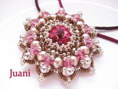 Made by Juani Pattern: Granada Pendant by Sabine Lippert in Beaded Fantasies book