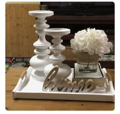 Awesome Coffe Table Decor Ideas Trays - Fortunately, home decor doesn't need to be so stressful! At the same time, it is not at all an ea - Coffee Table Decor Living Room, Decorating Coffee Tables, Coffe Decor, Dining Room Table Centerpieces, Table Decorations, Coffe Table Tray, Serving Tray Decor, Farmhouse Decor, Decor Ideas