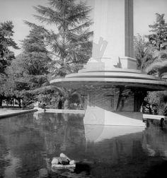 Fuente de la antigua plaza Pedro de Valdivia, en Providencia, Santiago Plaza, Antonio Mora, Chile, Artwork, Santiago, Antigua, Work Of Art, Chili Powder, Chilis