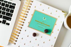 5 Tips to Thrive Through the Work Week | Simplified Planner