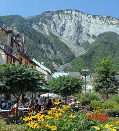 Bourg d'Oisan, France - Summer 2004