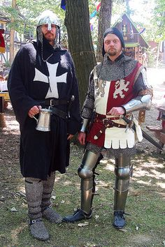 Twelfth century and fourteenth century knights by One lucky guy, via Flickr