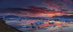 Jokulsarlon lagoon sunset