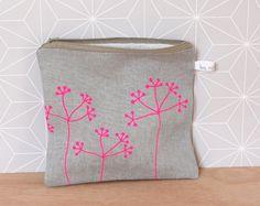 Trousse zippée à fleurs de la boutique LesMiniboux sur Etsy 27€ - Click to see details and buy