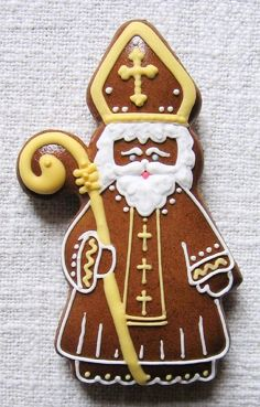 Today we are looking at Moravian and Bohemian gingerbread designs from the Czech Republic. Back home, gingerbread is eaten year round and beautifully decorated cookies are given on all occasions. Gingerbread Man, Gingerbread Cookies, Fondant Animals, Christmas Cooking, Cupcake Recipes, Diy Crafts For Kids, Cookie Decorating, Advent, Christmas Ornaments