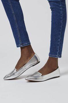 Pointy Metallic Flats $30
