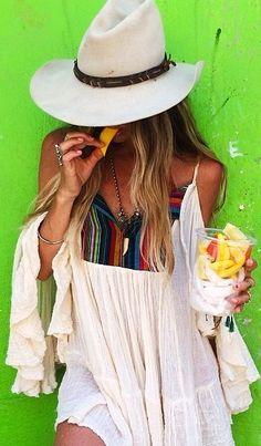 Primavera/verão já esta dando o ar da graça, se bem que tá mais pra cara de verão do que inverno, a estação que estamos. Então, é hora de se cuidar, com comidinhas saudáveis e nos proteger do sol. Conheça nossa coleção de chapéus de verão, leves e cheios de graça, farão seu visual mais charmoso e cheio de estilo. https://www.hazineacessorios.com.br/acessorios-femininos/chapeu #hazinetop #hazineacessorios #boho #bohochic #bohostyle #gypsy #gypsystyle #mood #acessorios #bohemianchic #rings…