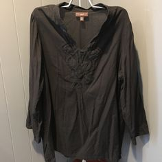 Dana Buchman Black Pull Over Tunic Shirt 1X Pullover gauze cotton shirt with trim details. Pre loved. Dana Buchman Tops Blouses