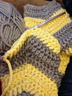 easy crochet chevron scarf pattern