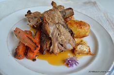Porc la tava marinat cu iaurt si usturoi (1) Pork Recipes, Pot Roast, Bacon, Turkey, Meat, Ethnic Recipes, Pork, Fine Dining, Carne Asada