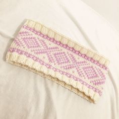 Ear Warmers, Friendship Bracelets, Ravelry, Beach Mat, Knitted Hats, Knitting Patterns, Outdoor Blanket, Sewing, Fashion
