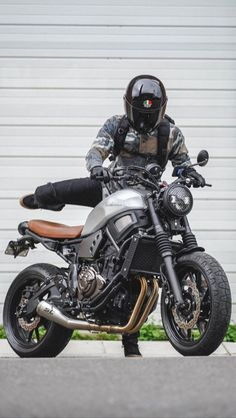 Image may contain: one or more people and motorcycle Yamaha Motorcycles, Cafe Racer Motorcycle, Moto Bike, Motorcycle Gear, Suzuki Cafe Racer, Cafe Racer Bikes, Cafe Racers, Scrambler Custom, Futuristic Motorcycle