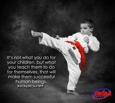 kickpics kickpics.net kick kicks kicking boy child kid children roundhouse pksa allenpark michigan taekwondo tangsoodo karate martialarts