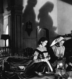Vivien Leigh and Olivia De Havilland in a production still from Gone With The Wind  (Victor Fleming, 1939)