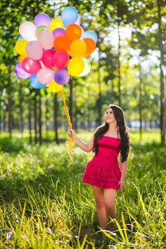 Better together By Sara Mouta Balloons Photography, Birthday Photography, Girl Photography Poses, Glamour Photography, Senior Pictures Balloons, Senior Pictures Boys, Cute Birthday Pictures, Dress Picture, Girl Poses