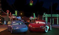 One of the few romantic moments between McQueen and Sally. Walt Disney, Disney Couples, Disney Cars Movie, Pixar Movies, Disney Romance, Car Gif, Cars 2006, Cars 1, Car Memes
