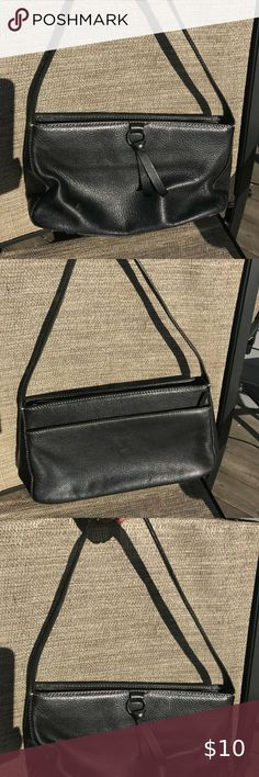 Shop Women's Ann Taylor Black size OS Hobos at a discounted price at Poshmark. smoke free home. Measurements: Wide Tall Deep Strap Drop Sold by kfojc. Purses And Handbags, Leather Purses, Ann Taylor, Shop My, Smoke Free, Drop, Best Deals, Closet, Things To Sell